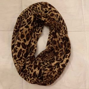 Accessories - Leopard print infinity scarf